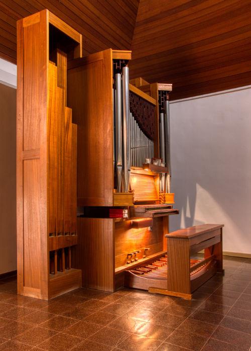 Orgel beleuchtet